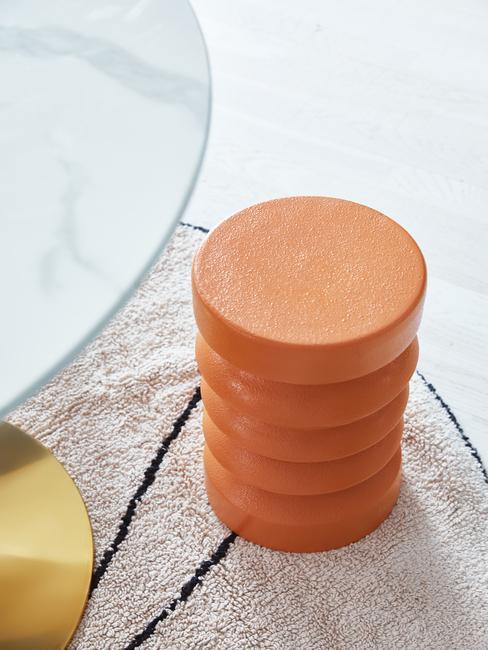 Oranje ronde organische kruk