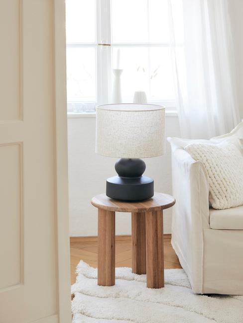 Tafellamp met ronde zwarte voet
