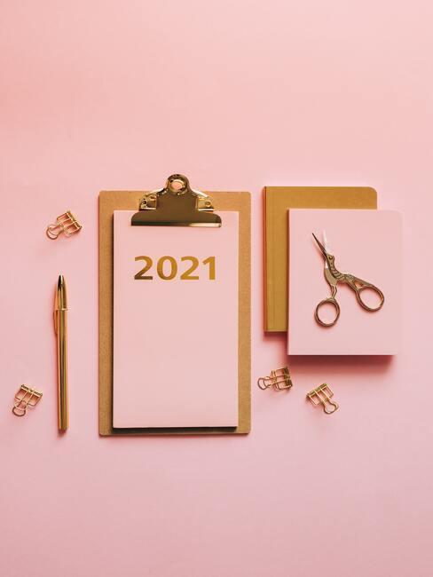 roze kalender voor 2021
