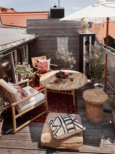 balkonplanten op een boho balkon