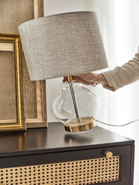 tafellamp met linnen lampenkap