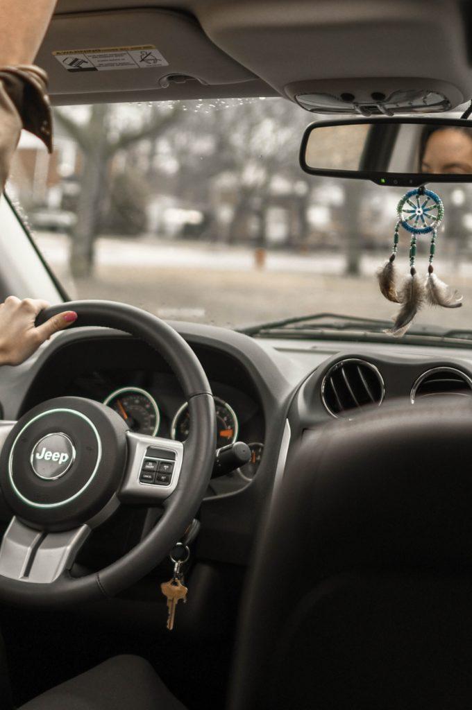 versiering aan autospiegel