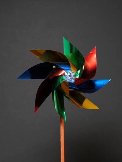 gekleurde windmolen