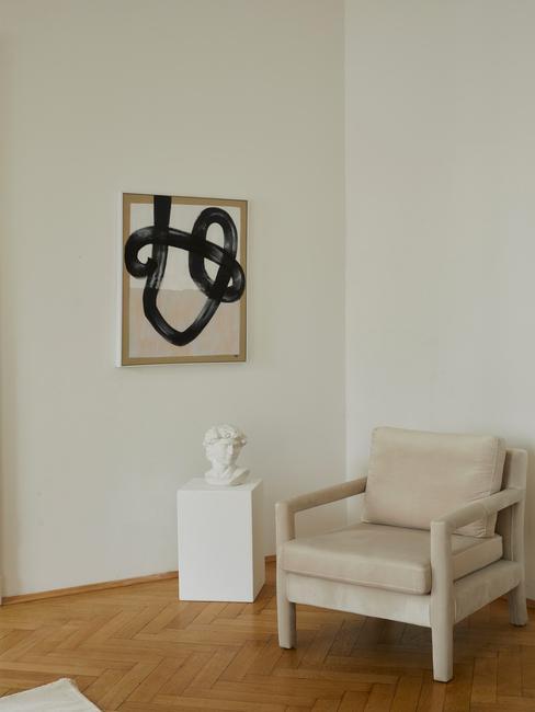 toupe stoel met houten fotolijst