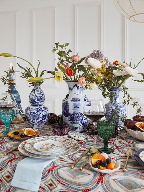 Porseleinen vazen met Delfts Blauw partroon