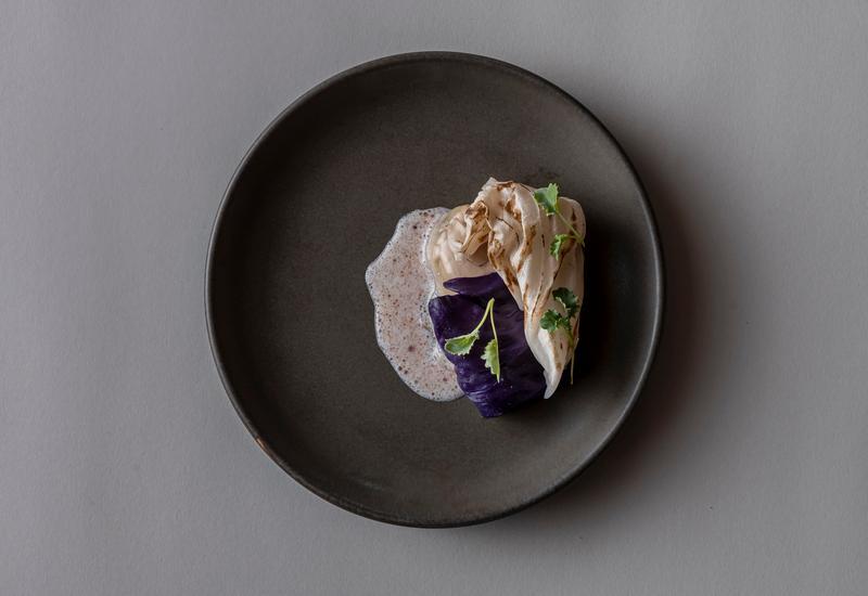 Opgemaakt bord in restaurant Wils Amsterdam
