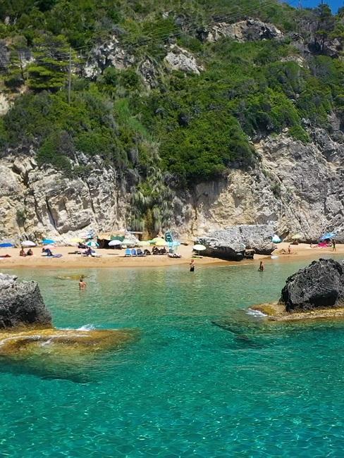 Zee en strand in Griekenland