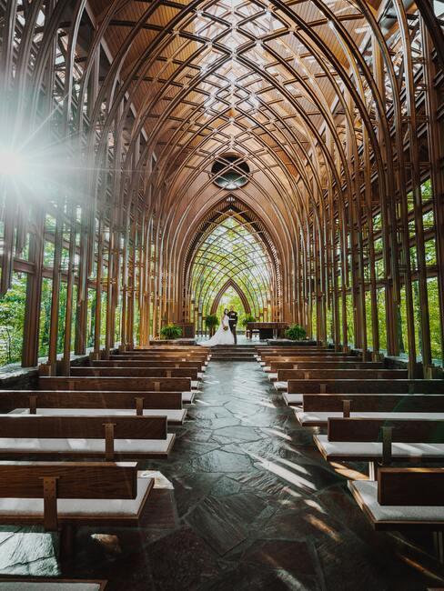 kerk met houten details
