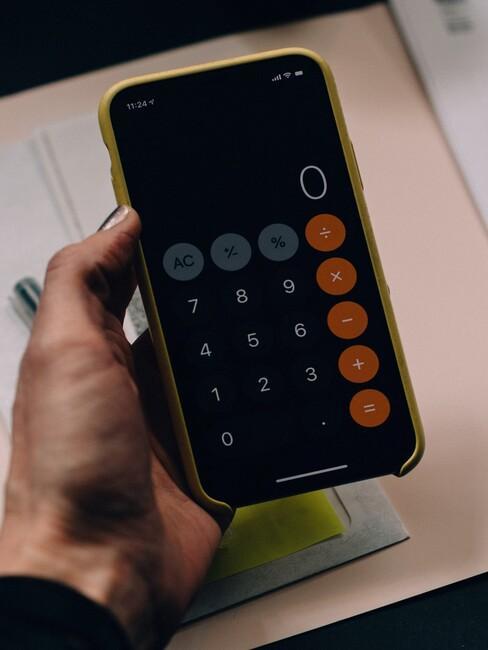 rekenmachine app op een telefoon