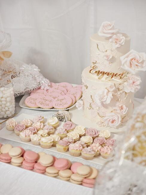 roze gebakjes