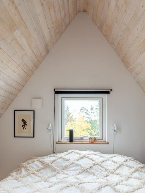 zolder tot slaapkamer verbouwd