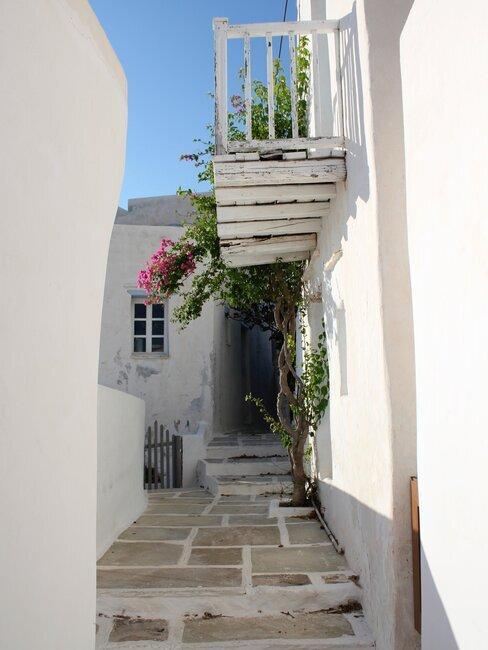 flagstones tegels en een balkon