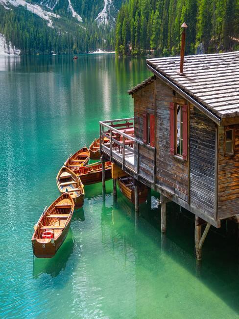 Lago di Braies in Italië