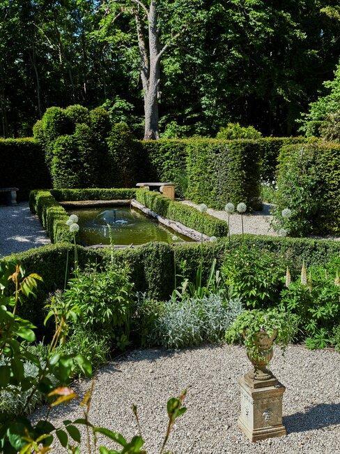 tuin aanleggen met een vijver
