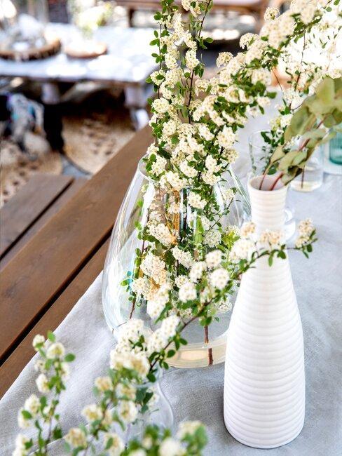 decoratie op een houten tafel