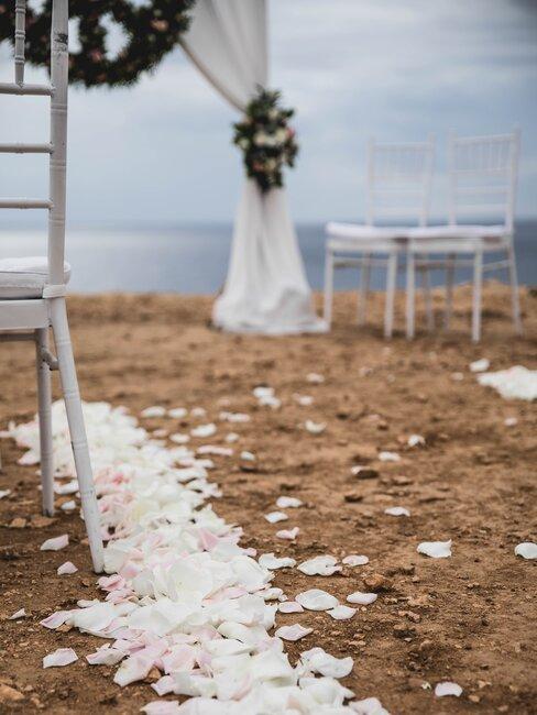 bruiloft op ibiza met prieel