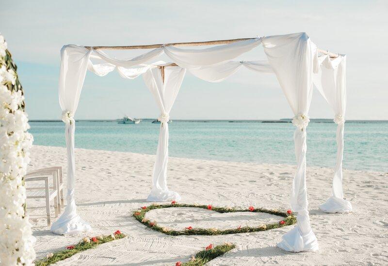 trouwen op het strand op de maladiven