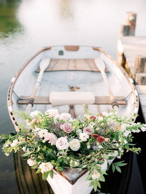 boot versierd voor een huwelijk