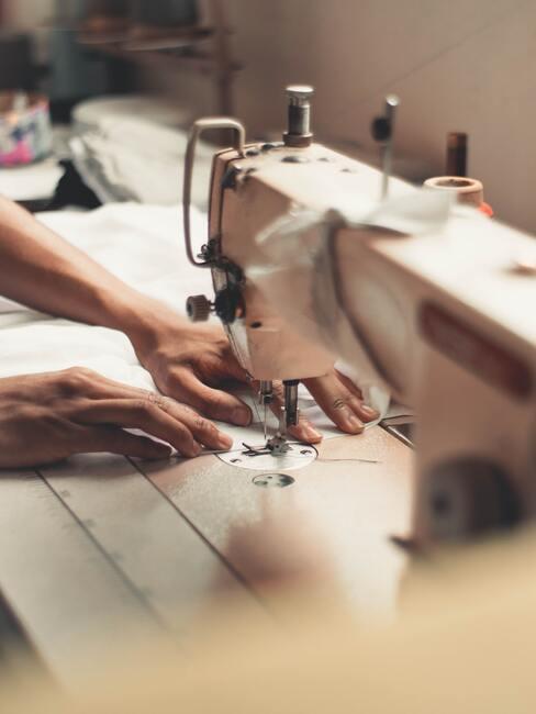 een naaimachine