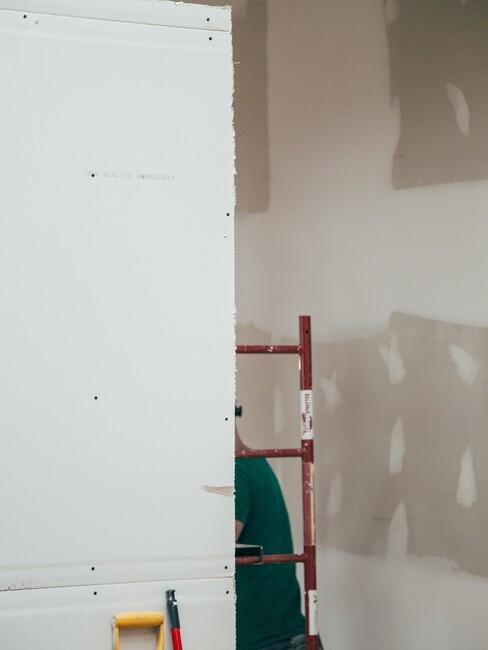 verbouwing met muren stucen