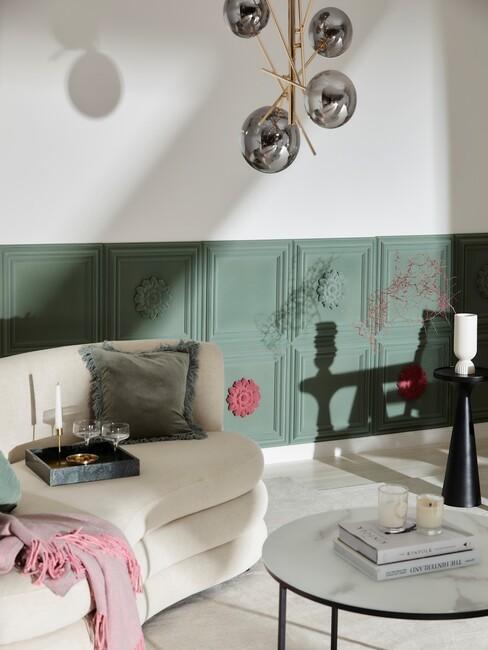 beige ronde sofa in woonkamer