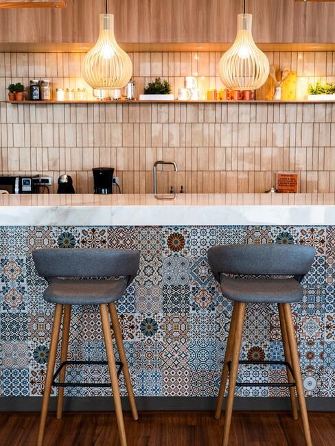 blauwe tegels in keuken