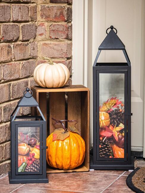 herfstdecoratie bij voordeur