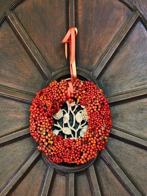 herfstkrans op deur