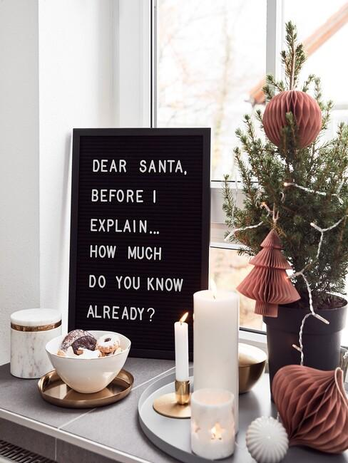 kerst deco op vensterbank