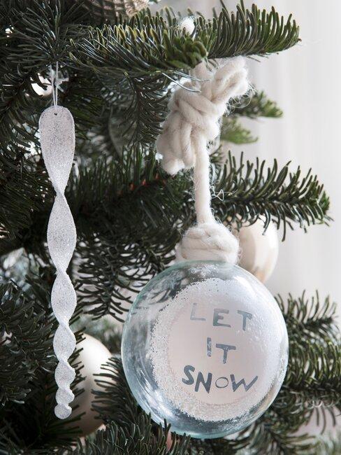 witte kerstballen