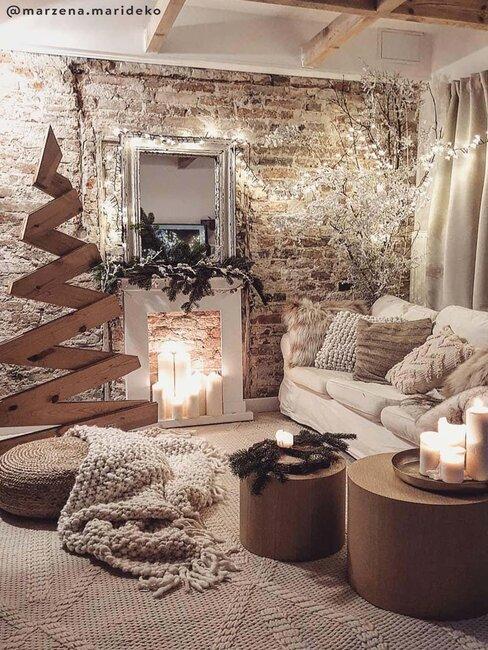 woonkamer met pallet kerstboom