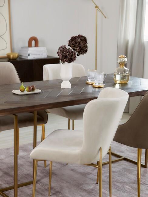 Luxe stijl eetkamertafel en stoelen