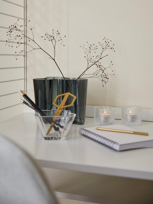 lichte-kleuren in een home office