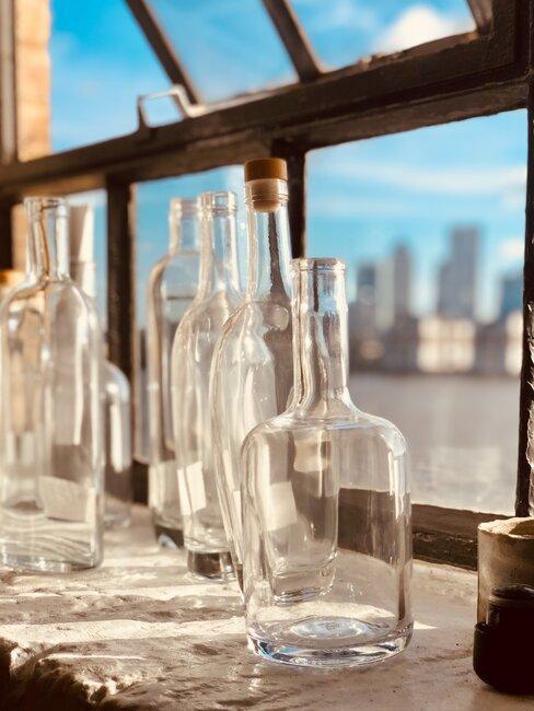 Szklane butelki, porady jak segregować śmieci