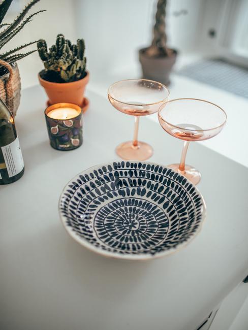 Ceramiczna misa w kuchni Travelicious