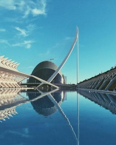 Santiago Calatrava design nad wodą