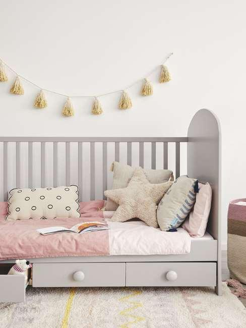 Łóżeczka ziecięce z poduszkami