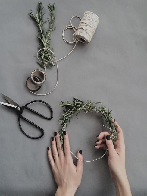 Jak zrobić wieniec adwentowy DIY