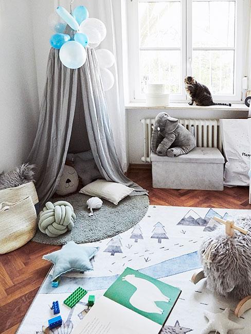 Pokój dla chłopca z baldachimem