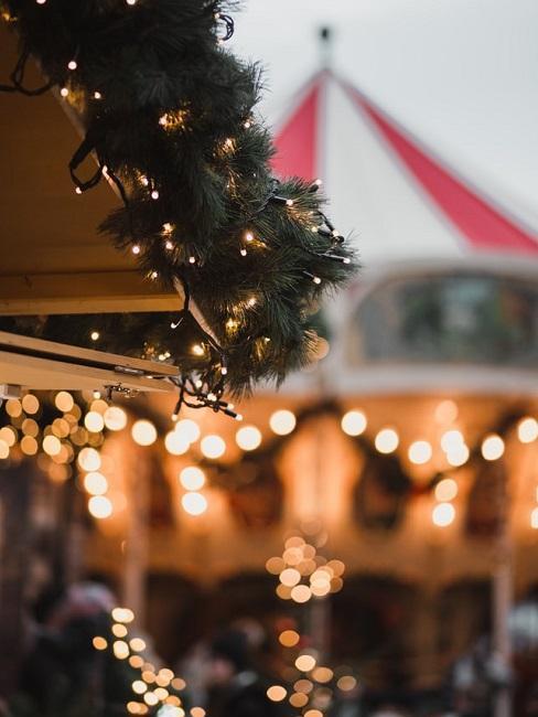 Karuzela na jarmarku świątecznym