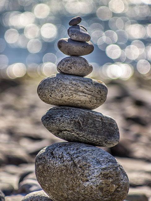 Kamienie ułożone w stos