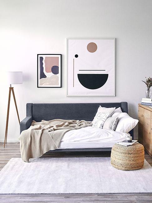 Sofa rozkładana w salonie