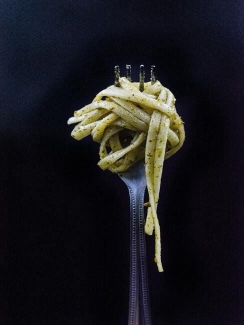 Pesto genovese na widelcu