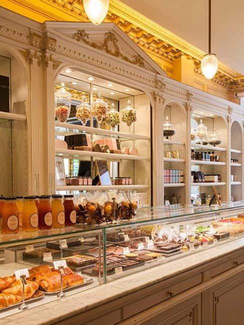 Słodycze w herbaciarni Angelina w Paryżu