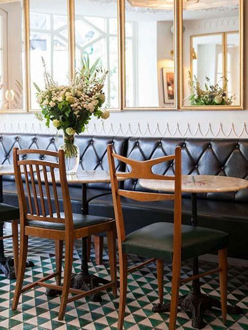 Restauracja w stylu vintage w paryskim hotelu Hotel du Temps