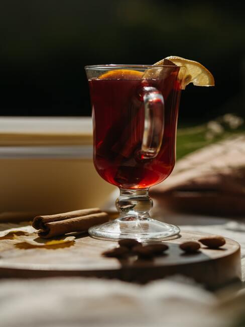 Zimowy napój z rumem