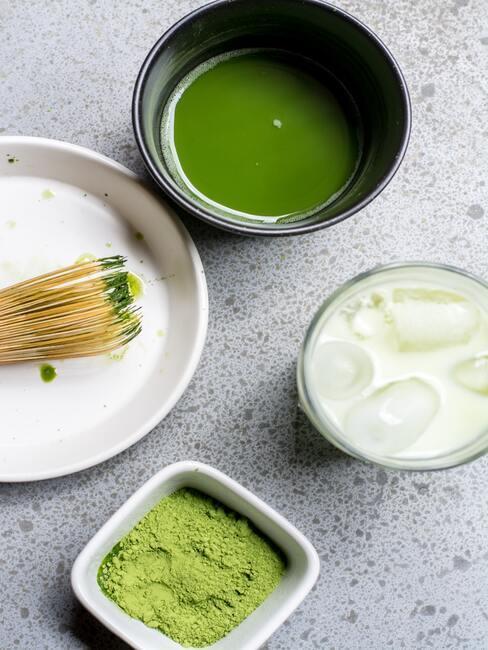 Zdrowe desery: smoothie z matchą