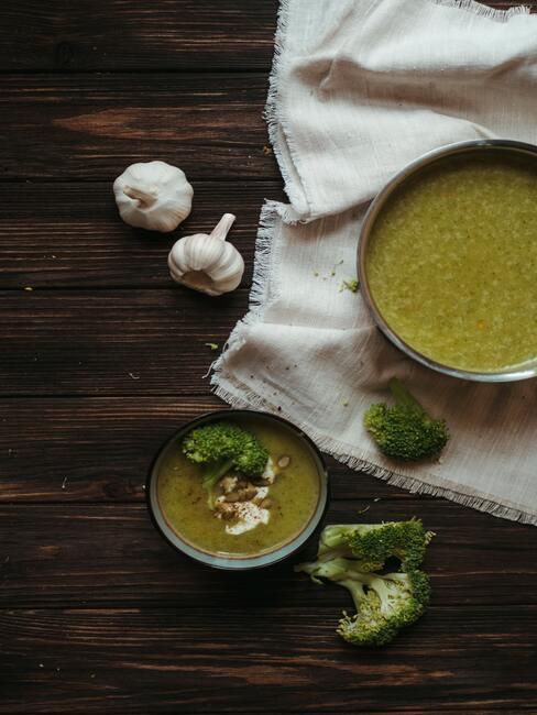 Przepisy na wiosnę: krem z brokułów