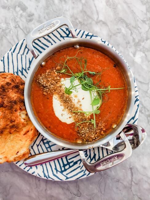 Jesienne przepisy na zupę z opieczoną dynią