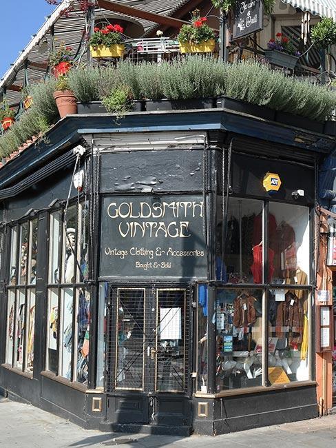 sklep z odzieżą vintage w Notting Hill